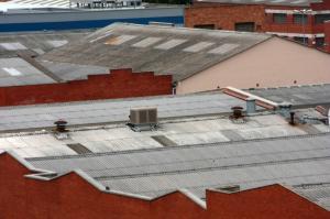 Dach z pokryciem azbestowym